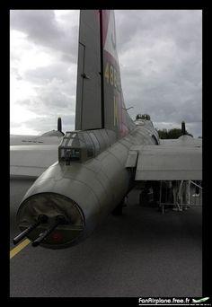 Boeing B-17G Flying Fortress (299P) - F-AZDX. Association Forteresse Toujours Volante, Le Touquet Paris-Plage - LFAT, 04.10.2003.