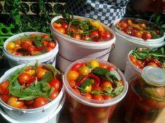 (745) Помидоры квашеные с сахаром на зиму солёные. - YouTube Pickled Tomatoes, Preserves, Pickles, Salt, Sugar, Stuffed Peppers, Vegetables, Cooking, Winter