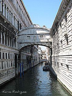 Puente del Suspiro  Venezia, Italia
