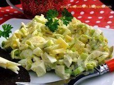 Jedna z najlepszych jakie jedliśmy, do tego szybka i tania, czego chcieć więcej? :) przepis stąd 1 duży por 4 jaja ugotowane na tw... Appetizer Salads, Appetizer Recipes, Salad Recipes, Cooking Recipes, Healthy Recipes, Avocado Salad, Vegetable Salad, Dinner Tonight, Recipes