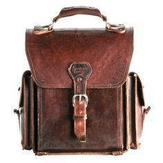 """A Chestnut Leather Backpack \""""They\'ll Fight Over When You\'re Dead\"""" Brown Leather Backpack, Leather Satchel, Leather Bags, Leather Sofa, My Bags, Purses And Bags, Potnia Theron, Saddleback Leather, Brown Backpacks"""