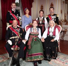 Princess Ingrid Alexandra with her godparents posing for an official portrait on the occasion of the Princess' confirmation. Princess Victoria Of Sweden, Crown Princess Victoria, Crown Princess Mary, Princess Diana Funeral, Princess Anne, Prince Concert, Ingrid Alexandra, Prince Frederik Of Denmark, Estilo Real