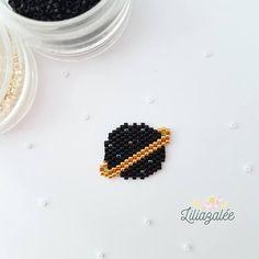 Items similar to Brooch beads Miyuki - black planet on Etsy Loom Bracelet Patterns, Beaded Earrings Patterns, Bead Loom Patterns, Beaded Brooch, Seed Bead Earrings, Beading Patterns, Brooch Pin, Beaded Animals, Bead Jewellery