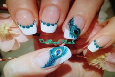 Difficult peacock nail art