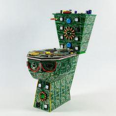 Esta es una buena forma de reciclar los aparatos que tenemos en la casa, son esculturas hechas con componentes electrónicos que ...
