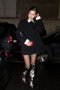 Bella Hadid - OffWhite x Jimmy Choo boots Bella Gigi Hadid, Bella Hadid Outfits, Bella Hadid Style, Fashion Week 2018, Fashion 2020, Fashion Show, Fashion Outfits, Street Fashion, Fall Outfits