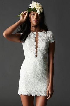 There's no hard and fast rule but generally the shorter your wedding dress, the warmer the weather, so you would assume to see most short wedding dresses this year during the summer. Short Ivory Wedding Dress, Sweet Wedding Dresses, Short Bride, Wedding Dress Organza, Wedding Gowns, Wedding Reception, Wedding Ideas, Wedding Rehearsal, Trendy Wedding