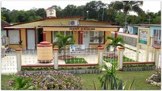 Vista general de la vivienda. Cuba, Bed And Breakfast, Great Deals, Trip Advisor, Mansions, House Styles, Beautiful, Home Decor, Barbers