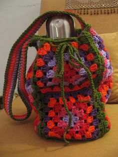 Bolso para mate (bolso matero) tejido a mano al crochet « Wendy Souvenirs Lana, Projects To Try, Crafts, Deco, Fashion, Crocheting, Satchel Handbags, Purses, Pot Holders