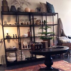 Living Room Modern, Home Living Room, Living Room Decor, Living Spaces, Sofa Table Design, Living Room Shelves, Scandinavian Home, Decoration, Diy Home Decor