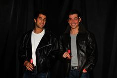 Roger & Nico como los chicos malos de Grease http://wp.me/p3i7Nr-2eF  Roger & Nico as the Grease bad boys http://wp.me/p3i7Nr-2eF