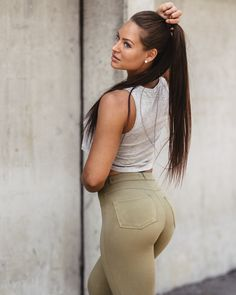 High-Waisted Chinos Best Jeans, Girls Jeans, Beauty Women, Fitness, Hot Girls, Babe, Booty, Sexy, Pants