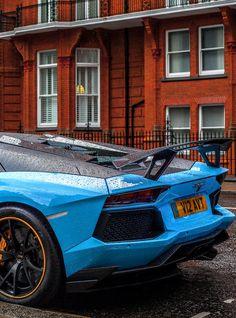 Lambo in blue Ferrari, Lamborghini Aventador, Rolls Royce, Porsche, Japanese Sports Cars, Mc Laren, Amazing Cars, Awesome, Sweet Cars