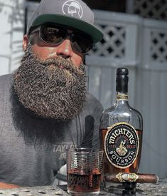 My dream hot night: bourbon and beards! Moustache, Beard No Mustache, Badass Beard, Epic Beard, Grey Beards, Long Beards, Long Beard Styles, Hair And Beard Styles, Hairstyle