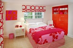 Teenage Girls Bedroom Design, An invitation for every teenager and cheerful girl wants to design her bedroom; here you are a collection of very attractive teenage girls bedroom designs that help you Orange Rooms, Bedroom Orange, Bedroom Red, Red Rooms, Dream Bedroom, Pretty Bedroom, Master Bedroom, Teen Room Designs, Teenage Girl Bedroom Designs