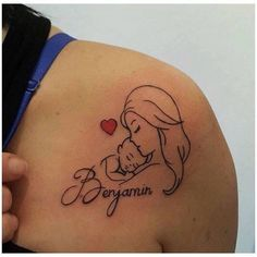 Top 50 Mom Tattoos for Son and Daughter - Tattoo Ideen - Tatuagens Ideias Name Tattoos For Moms, Baby Name Tattoos, Mommy Tattoos, Tattoos For Kids, Tattoos For Daughters, Trendy Tattoos, Body Art Tattoos, New Tattoos, Tattoos For Women