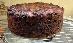 Rich Fruit Cake Ingredient Cake) With Mixed Fruit, Orange juice, 2 cups Self Raising Flour 3 Ingredient Fruit Cake Recipe, 3 Ingredient Cakes, 3 Ingredient Recipes, Mini Cakes, Cupcake Cakes, Baking Recipes, Cake Recipes, Food Cakes, Fruit Cakes