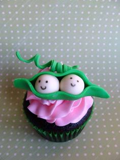 Two Peas Baby Shower Cupcakes