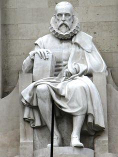 Estatua a Cervantes, en la plaza de España.