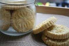 Traditional Macau's Almond Cookies ~ 澳門杏仁餅 | Made these December 10 2015 only half of the green bean flour; 1/4 oatmeal, rest just gluten-free mix; add cinnamon, dash of salt, extra flour matchamochi