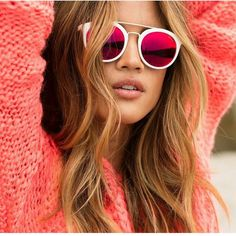 Pink lady Rocky_Barnes looking like a bombshell in the Kara Round Plastic Sunglasses #GUESSEyewear