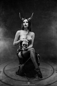 A collection of dark art, vampire art, occult art erotic art, and postings Dark Gothic, Gothic Art, Dark Beauty, Gothic Beauty, Wicca, Magick, Dark Side, Dark Fantasy, Fantasy Art