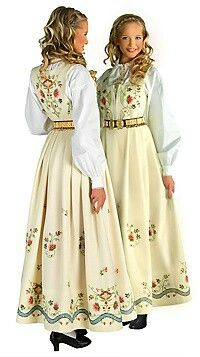 Costume (bunad) from Hedmark County Folk Costume, Costume Dress, Costumes, Traditional Fashion, Traditional Dresses, Norwegian Clothing, Norwegian Fashion, Beautiful Norway, Ethnic Dress