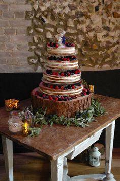 Naked Cake #GranaryEstates #Granarybarns #nakedcake #freshfruit #rustic #barnweddings #suffolk
