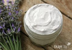 This luxurious lavender hand cream recipe features moisturizing shea butter, soothing and anti-inflammatory lavender flowers, skin-nourishing sunflower oil, After Sun, Lavender Recipes, Cream For Oily Skin, Homemade Cosmetics, Whipped Body Butter, Lotion Bars, Butter Recipe, Cream Recipes, Hand Cream