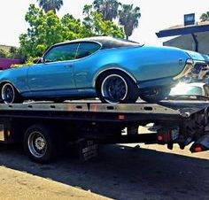 We are a 24/7 towing & roadside assistance located in Beverly Hills, CA. We provide all types of roadside assistance services all over the greater area of Los Angeles http://www.pinktowingofsm.com/