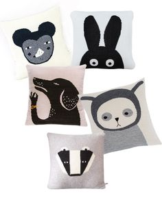 5 fantastic knitted animal pillows in grey, black and white!