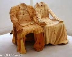 Risultati immagini per tallados en madera Funky Furniture, Wood Furniture, Unusual Furniture, Chair Pictures, Art Pictures, Sr1, Tree Carving, Carving Board, Wood Creations