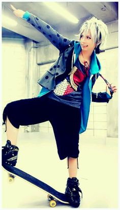 Takeru. SuG. He is so colorful. I wish I had clothes like his.