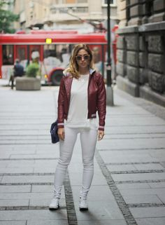 Fashion Babe: Dunja wearing #hm top and trousers, #converse shoes