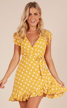 SheIn offers Polka Dot Layered Ruffle Hem Sleeveless Dress & more to fit your fashionable needs. Yellow Dress Casual, Yellow Dress Summer, Black Dress Outfits, Summer Dresses, Casual Dresses For Women, Cute Dresses, Short Dresses, Dresses With Sleeves, Dot Dress