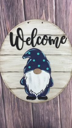 Gnome Door Hanger – We are loving these gnomes! How about one that interchanges… – Pants Hanger İdeas Wood Crafts, Diy And Crafts, Yard Art Crafts, Gnome Paint, Gnome Door, Gnome House, Decoration Palette, Christmas Decorations, Christmas Ornaments