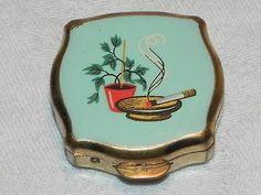 Compact personal ashtray