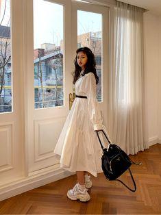 Unbalanced Shirring Puff Dress - I know you wanna kiss me. Thank you for visiting CHUU. Korean Girl Fashion, Ulzzang Fashion, Korean Street Fashion, Muslim Fashion, Modest Fashion, Hijab Fashion, Fashion Dresses, Pretty Outfits, Pretty Dresses