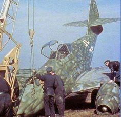 Luftwaffe in colour - this page last updated January 2020 Ww2 Aircraft, Fighter Aircraft, Military Aircraft, Military Guns, Luftwaffe, Fighter Pilot, Fighter Jets, Me262, Photo Avion