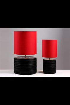 DIY lamp with vinyls 💿💿💿🎵🎵🎵 15 Rockin' Projects that Repurpose Vinyl Records via Brit + Co. Vinyl Record Art, Vintage Vinyl Records, Vinyl Art, Vynil Records, Vinyl Decor, Recycled Lamp, Repurposed, Don Pollo, Vinyl Record Projects