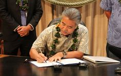 Hawaii's Governor Dumps Oil and Gas in Favor of 100 Percent Renewables