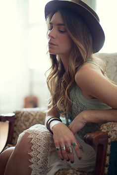 dreamy and boho - portrait by SAINT LUCY Represents photographers Little Outdoor Giants
