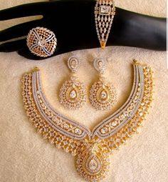#southasian #bridal #fashion #jewelery #jewellery #indian #pakistani #india #bangladeshi #salwarkameez #bride #salwarsuit #inspiration #lehenga #wedding #shaadi #celebration #haldi #sangeet #dulhan #ceremony #glam #sparkle #makeup #weddingdress #ideas #gold #diamond #shades