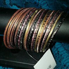 New 23 bracelet Diferent colors,pink,bronce,silver plated ,gold plate,orange Made in India. Jewelry Bracelets