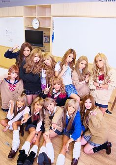 Gyaru sailor fuku gals ^w^
