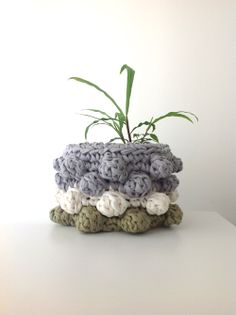 This crochet baskets are really cute and can have many uses.