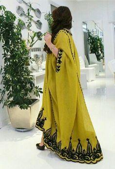 ل Iranian Women Fashion, Pakistani Fashion Casual, Islamic Fashion, Abaya Fashion, Fashion Outfits, Mode Abaya, Mode Hijab, Hijab Style Tutorial, African Fashion Skirts