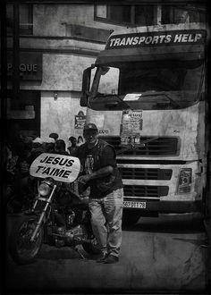 Manifestation Faubourg Saint-Antoine, Paris Paris, Monster Trucks, Saints, Movies, Movie Posters, Trainers, Photography, Montmartre Paris, Films