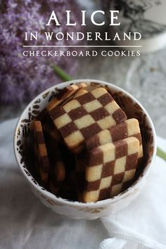These cookies look great for an Alice in Wonderland themed tea party