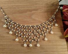 Collar babero de perlas agua dulce por AnneCraftedJewelry en Etsy